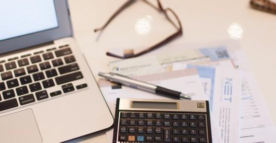 Finanças Femininas mulheres dinheiro preocupação investimentos economia descontrole orçamento
